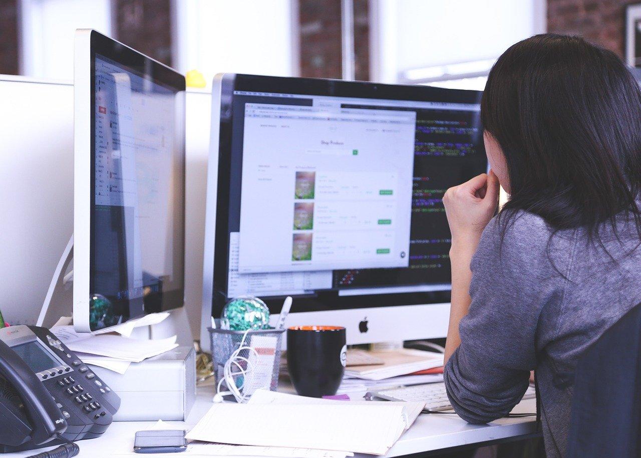 Cara Buat Website Sendiri Percuma Mudah – Pemilihan Domain Name dan Hosting Bagi Pemula